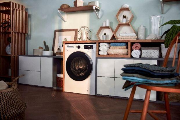 Czy zastanawiałeś się kiedyś, o ile prostsze byłoby życie, gdyby suszące się pranie nie zajmowało Twojej domowej przestrzeni? A może masz już dość planowania prania według prognozy pogody i zamartwiania się czy uda się wysuszyć je na czas