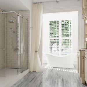Kabina prysznicowa Wittorio z systemem przesuwnym i estetycznym narożnikiem profilu mocującego. Fot. Glasimo
