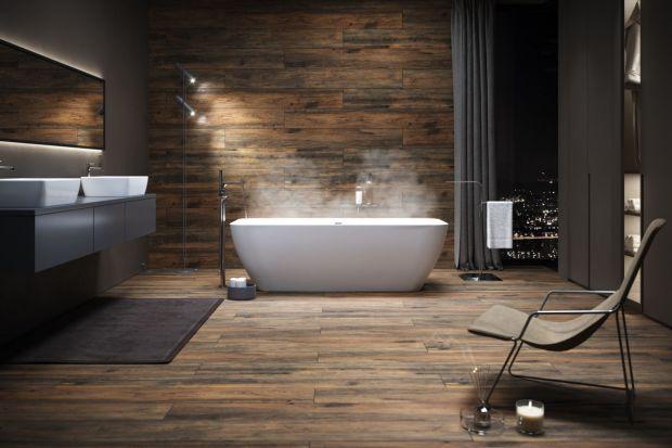 Bez wątpienia jednym z najmocniejszych trendów aranżacyjnych jest natura. Moda na nią dotyczy również wystroju łazienek, w tym płytek ceramicznych.