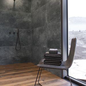Cerrad_Tacoma steel_Tacoma silver_Acero ochra.png Płytki jak kamień z kolekcji Tacoma steel i Tacoma silver połączone z płytkami jak drewno z kolekcji Acero ochra. Fot. Cerrad
