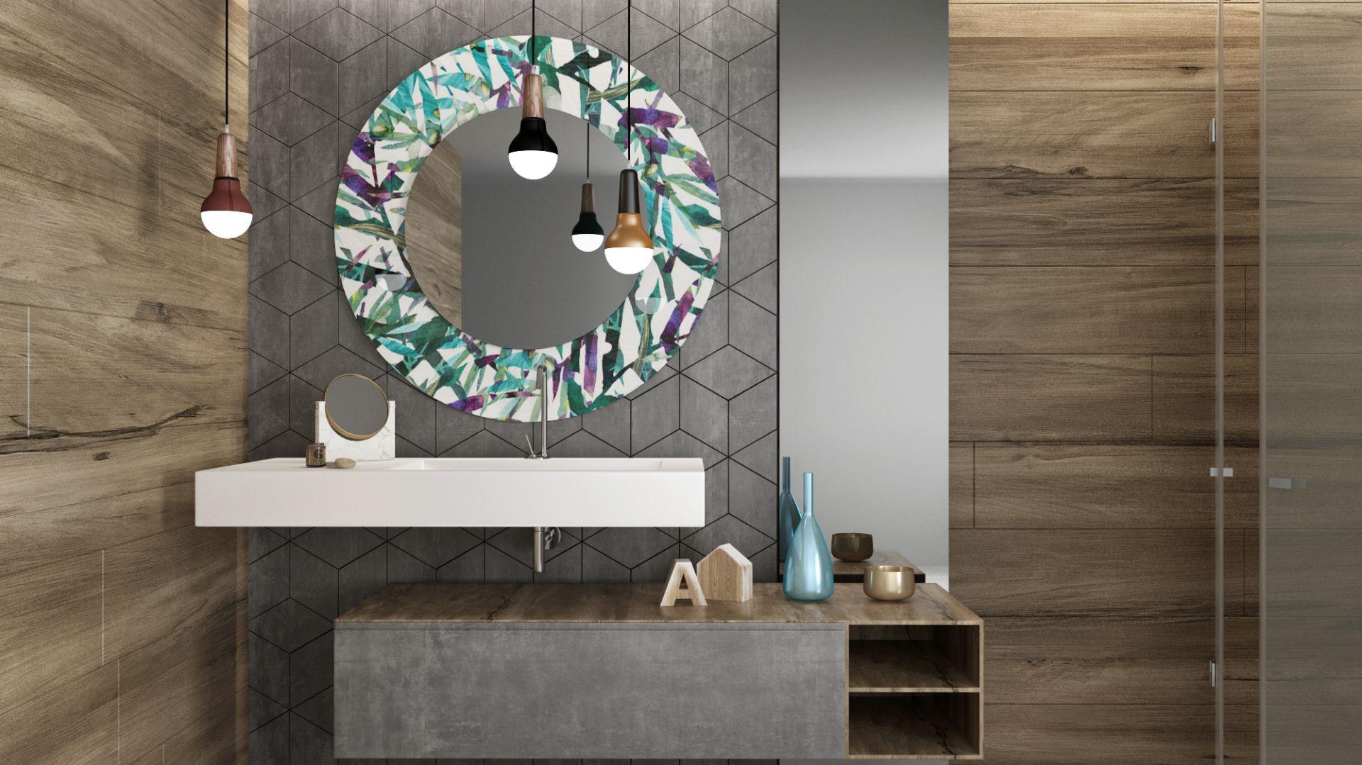 Lustro z oferty marki Glasimo z dekoracyjnym kolorowym nadrukiem farbami ceramicznymi. Fot. Glasimo