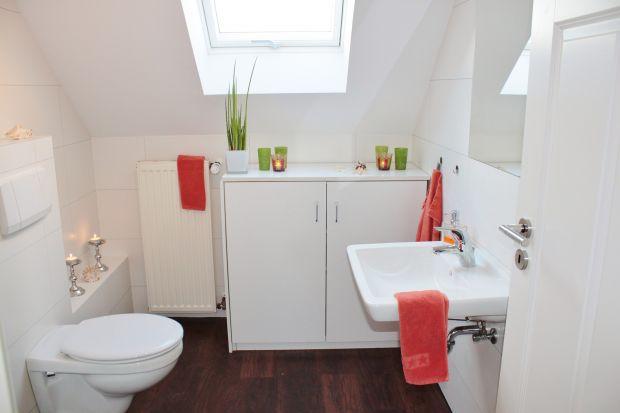 Wybierając armaturę do naszej łazienki powinniśmy pamiętać o także o względach bezpieczeństwa. Warto na przykład zainwestować w termostatyczne zawory mieszające, które uchronią nas przed poparzeniem zbyt gorącą wodą.