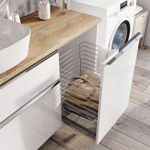 Propozycja do małej łazienki: meble łazienkowe z kolekcji Lofty marki Elita ze zintegrowanym koszem na bieliznę. Fot. Elita