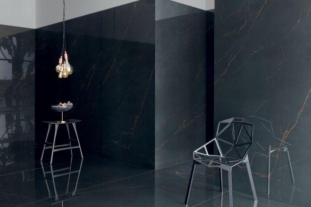 Znany projektant Maciej Zień stworzył eleganckie kolekcje czarnych płytek ceramicznych zainspirowane marmurem.