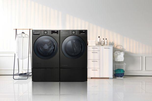 Innowacje technologiczne dotyczą nie tylko komputerów o wyśrubowanych parametrach czy smartfonów o rozmaitych funkcjonalnościach, ale również sprzętu AGD. Znany producent zapowiada nowy zestaw pralka + suszarka.