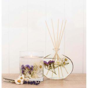 Dyfuzor zapachowy Nature's Gift - Lavender & Chamomile będzie zapewniać przyjemny zapach w łazience oraz pełnić rolę delikatnej dekoracji. Dostępne na Westwing.pl. Cena: 119, 90 zł. Fot. Westwing