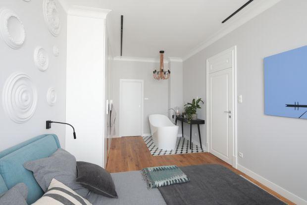 Łazienka i sypialnia w wielu domach pełnią funkcję łączonej strefy wypoczynku. Zobaczcie jak wygląda w rzeczywistości!