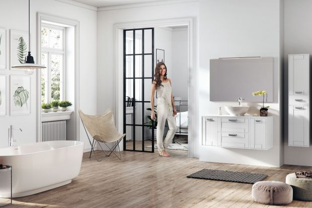 Pomimo coraz śmielszego wkraczania koloru do łazienek, biel wciąż cieszy się niesłabnącą popularnością. Zobaczcie 5 kolekcji mebli w tym ponadczasowym kolorze.
