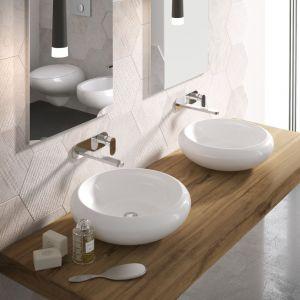 Okrągłe umywalki stawiane na blat z serii Tao marki Hidra. Fot. Hidra