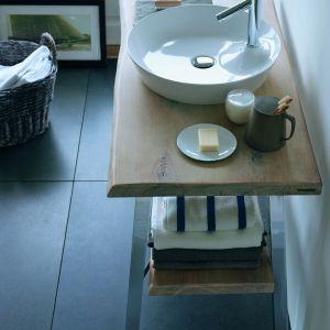 Okrągła umywalka stawiana na blat z serii Cape Cod marki Duravit. Fot. Duravit