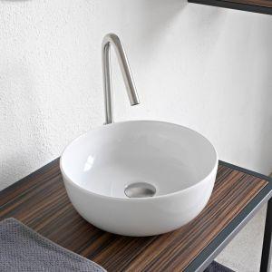 Okrągła umywalka stawiana na blat z serii Glam marki Scarabeo Ceramiche. Fot. Scarabeo Ceramiche