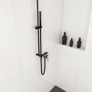 Czarny zestaw prysznicowy Karbo marki Deante. Fot. Deante