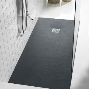 Czarny brodzik prysznicowy Terran marki Roca. Fot. Roca