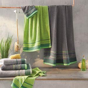 Idealne do domowego SPA: ręczniki z bawełny organicznej w zielonym kolorze. Cena: 12,99 zł/50x100 cm. Fot. KiK