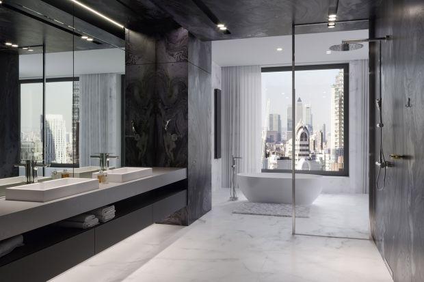 Łazienka w hotelowym stylu: gotowy pomysł na aranżację