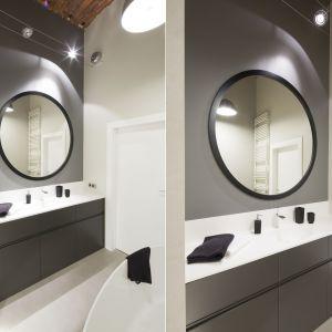Pomysł na lustro w łazience. Proj. Szymon Chudy, Nowa Papiernia. Fot. Bartosz Jarosz