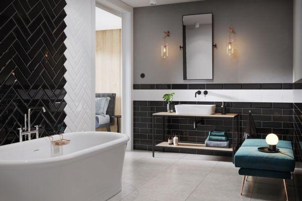 Płytki ceramiczne to w dalszym ciągu najpopularniejszy sposób na wykończenie ściany w łazience. Zobacz jakie formaty są modne.