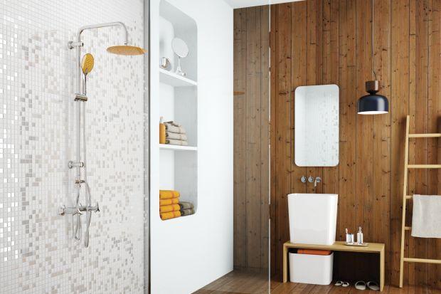 Biorąc poduwagę, żew łazience jako tło często wybieramy neutralne barwy złatwością możemy odmienić jej wnętrze ito niewielkim kosztem. Wystarczy kilka kolorowych drobiazgów, by nasza łazienka była jak nowa!