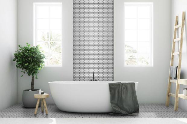Mozaika to sprawdzony materiał wykończeniowy, pozwalający dodać uroku aranżacji. Polska marka wprowadziła nowy format malutkich cegiełek. Jak Wam się podoba?