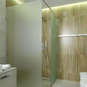 Prysznic w narożniku. Proj. Dominik Respondek. Fot. Bartosz Jarosz