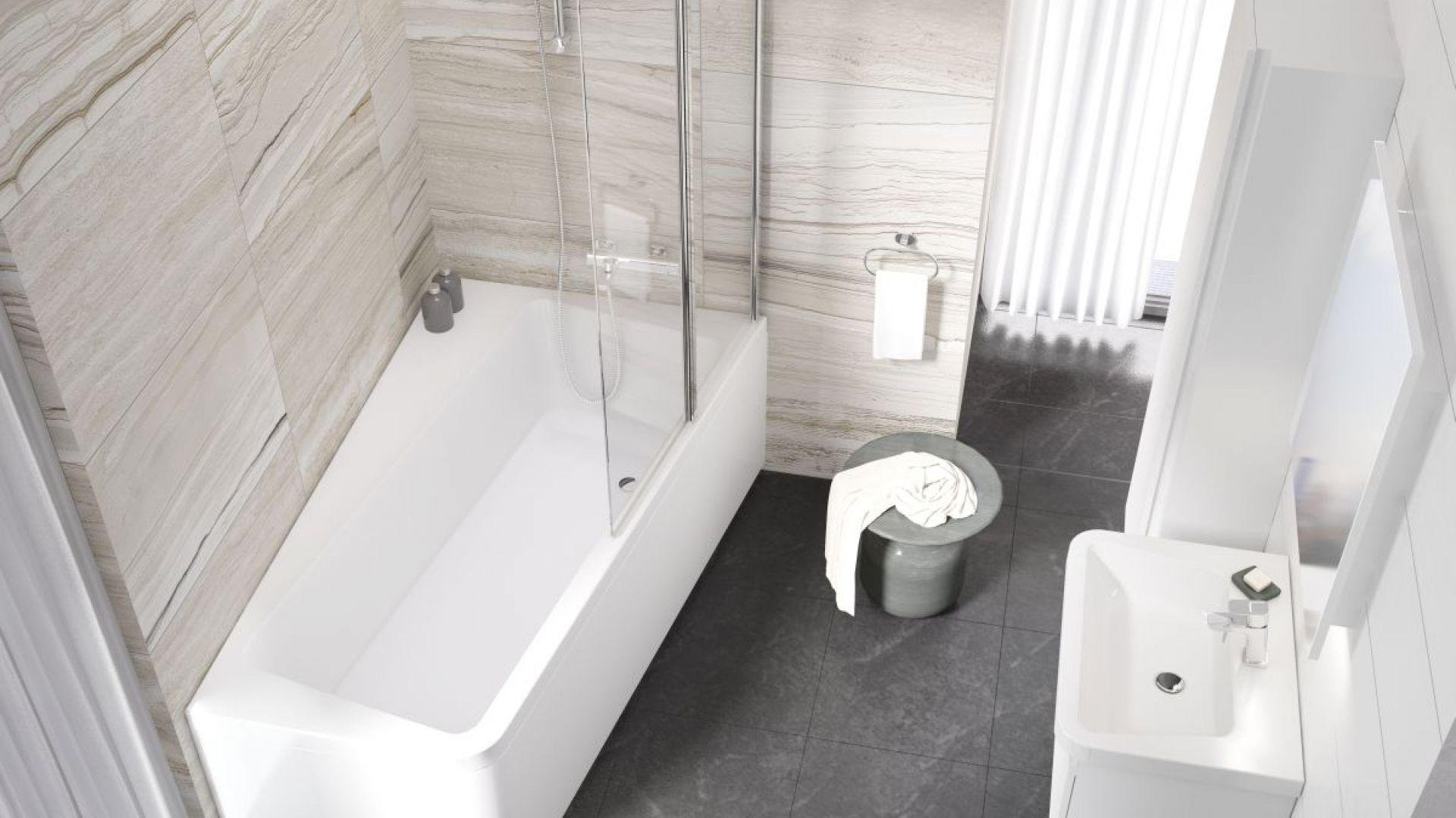 Asymetryczna wanna z parawanem z konceptu łazienkowego 10 stopni marki Ravak. Fot. Ravak