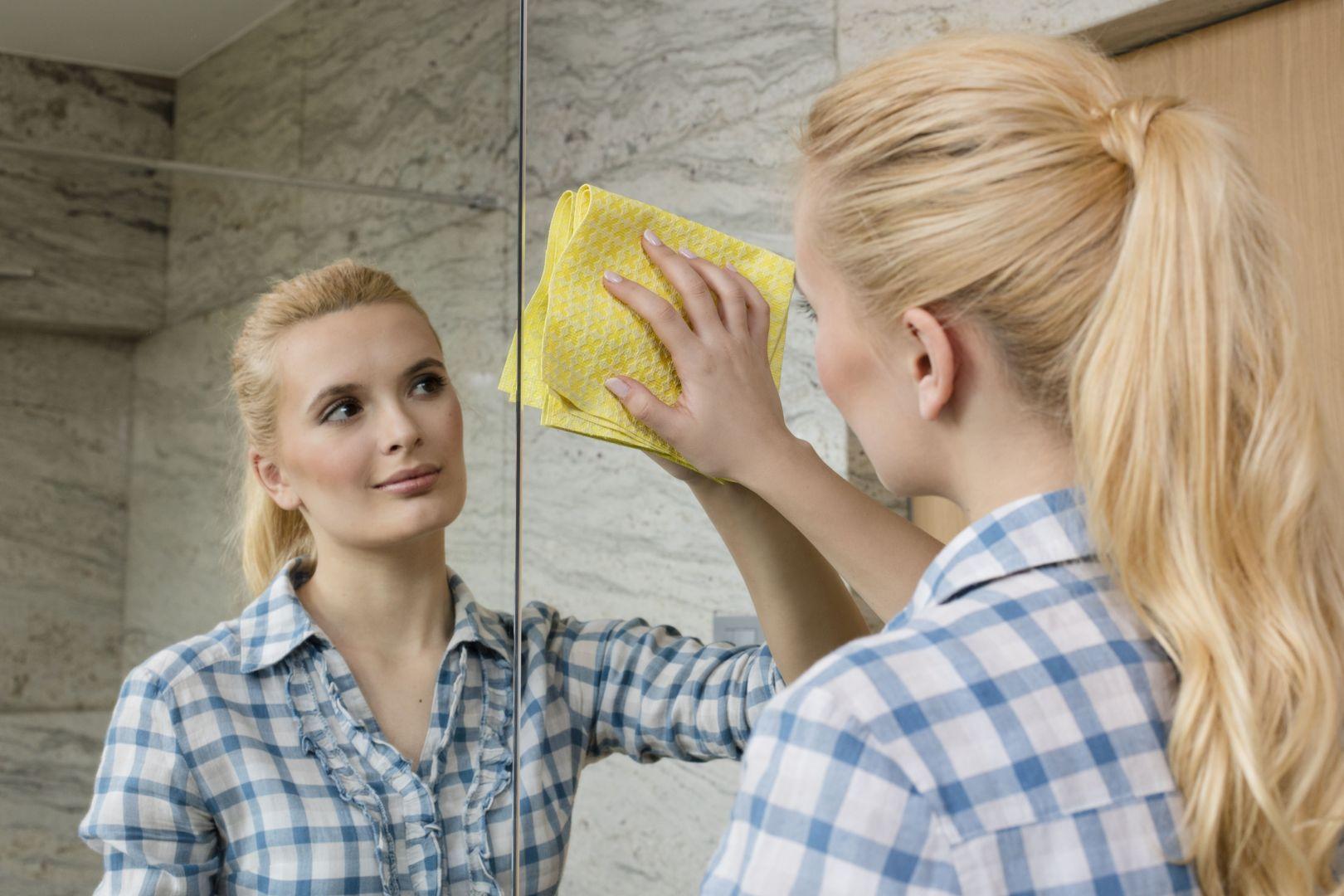 Ściereczki z mikrofibry nie potrzebują detergentów. Fot. Vileda