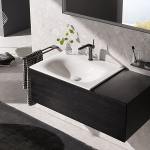 Szafka pod umywalkę z kolekcji mebli łazienkowych Black Concept marki Keuco. Fot. Keuco