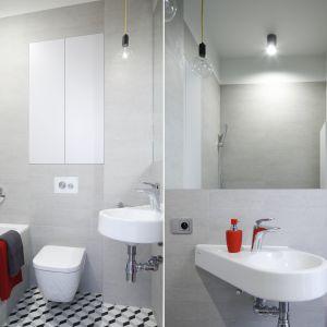 Sposób na małą łazienkę: pojemne schowki, jasne kolory. Proj. Małgorzata Łyszczarz. Fot. Bartosz Jarosz
