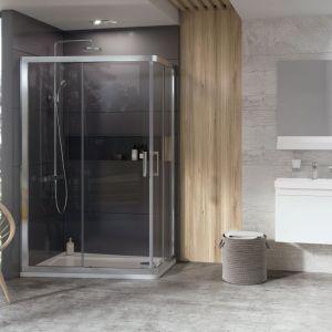 Asymetryczna kabina prysznicowa z Konceptu 10 stopni, 10AP4, marki Ravak. Fot. Ravak