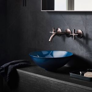 Okrągłe umywalki ze szkliwionej stali z kolekcji Aqua marki Alape. Fot. Alape