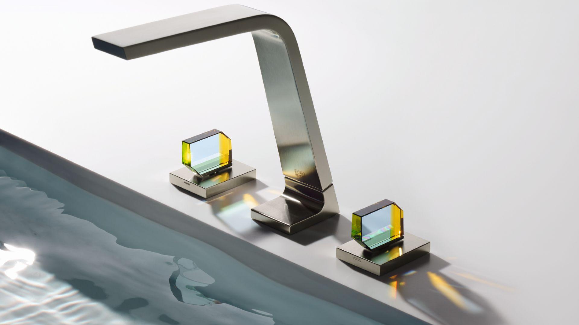 Nowa odsłona serii baterii CL.1 ze szklanymi uchwytami. Fot. Dornbracht