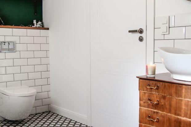 Jakie drzwi wybrać do łazienki? Pokazujemy przykładowe rozwiązanie.
