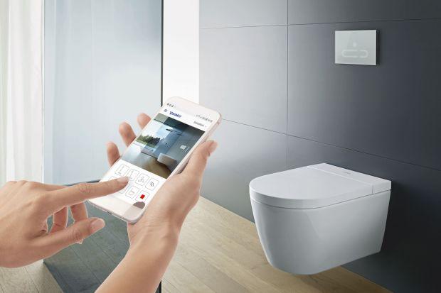 Toalety myjące jeszcze kilka lat temu były nieznanym szerzej gadżetem kojarzącym się z Dalekim Wschodem. Obecnie coraz więcej modeli dostępnych jest również na polskim rynku. W tymnowa deska sedesowa od znanej marki, którą zaprojektował sam