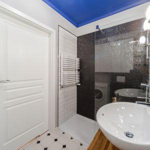 Pomysł na ścianę w strefie prysznica. Proj. Pracownia KODO. Fot. Materiały prasowe Pracowni KODO