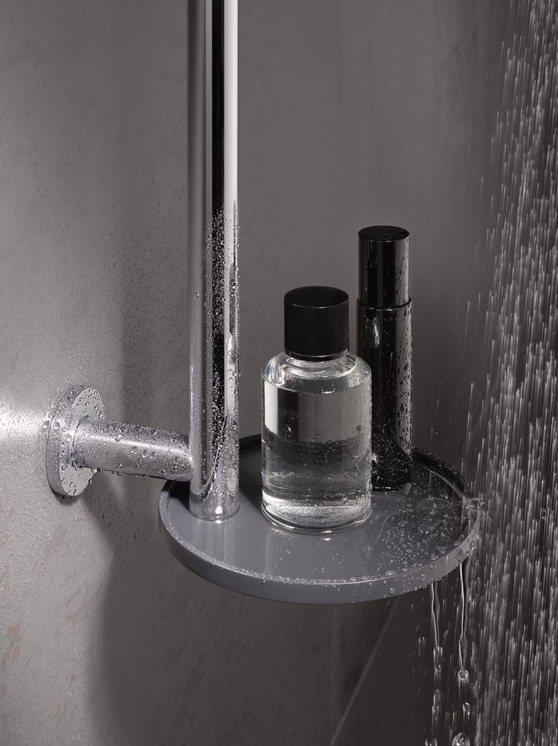 Uchwyt prysznicowy IXMO_solo ze zintegrowaną półką. Fot. Keuco