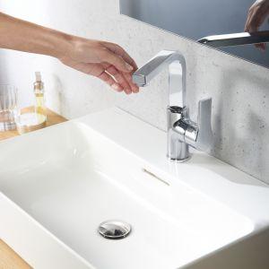 Bateria umywalkowa z serii Kludi Zenta SL. Fot. Kludi