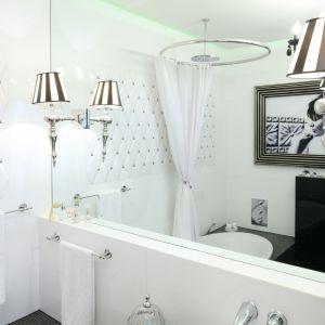 Pomysł na ścianę w łazience. Proj. Małgorzata Galewska. Fot. Bartosz Jarosz