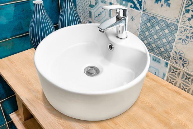 Wybierając armaturę do łazienki warto postawić na ponadczasową formę, która będzie pasować do każdego wnętrza i cieszyć oko przez długi czas.