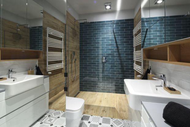 Aranżację łazienki można w ciekawy sposób ożywić za pomocą intensywnego koloru. Zobaczcie jak zrobili to inni.