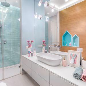 Pomysł na kolor w łazience. Proj. Monika Pniewska. Fot. Pion Poziom