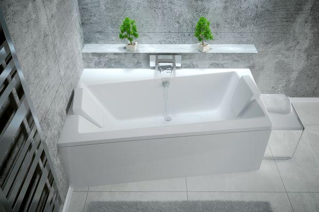 Urządzając naszą łazienkę możemy wybierać wśród bardzo bogatej oferty produktów. Już wśród samych wanien do wyboru mamy liczne modele o różnych rozmiarach, kształtach, a także wyprodukowane z różnych materiałów. Największą popularno