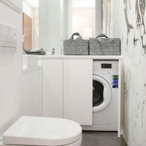 Pomysł na łazienkę z pralką. Proj. Karolina Łuczyńska. Fot. Bartosz Jarosz
