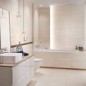 Aranżacja łazienki, w której wykorzystano płytki ceramiczne z kolekcji Calm Organic. Fot. Cersanit