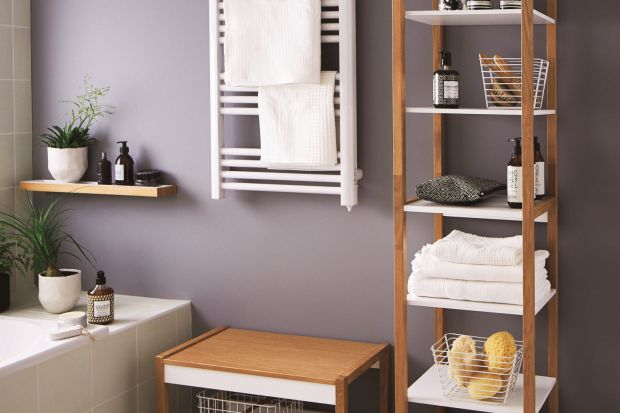 Łazienki wwynajmowanych mieszkaniach czy domach to nierzadko źródło frustracji. Przestarzały, nieatrakcyjny wystrój, niepraktycznie zaprojektowane wnętrze – poprawienie wyglądu łazienki może być trudniejsze niż jakiegokolwiek innego pomies