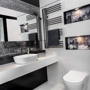 Aranżacja łazienki z baterią umywalkową Alea. Fot. Laveo