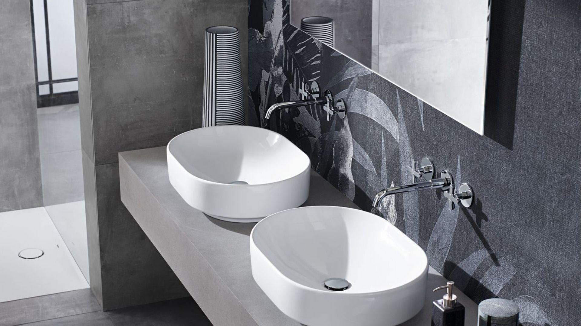 Nablatowe umywalki z kolekcji VariForm marki Koło. Fot. Koło