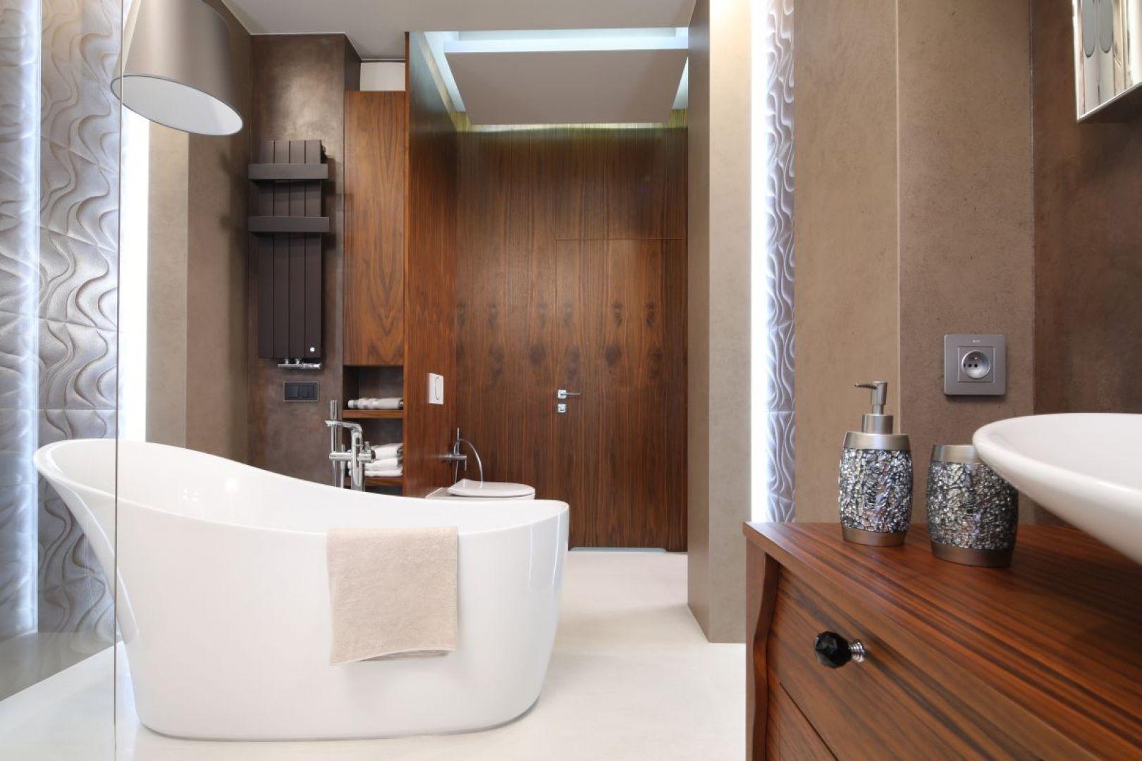 Aranżacja łazienki jak salon kąpielowy. Proj. Laura Sulzik. Fot. Bartosz Jarosz