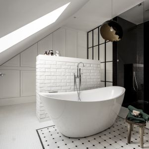 Aranżacja łazienki jak salon kąpielowy. Proj. Katarzyna Barbella Aponte, Barbella Interiors. Fot. Marcin Kowalski, SMART LAB