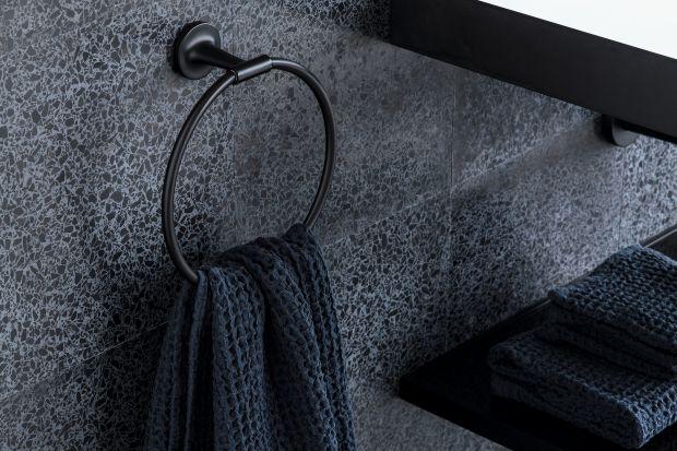 Akcesoria łazienkowe są tym drobnym detalem, który potrafi odmienić charakter całej łazienki. Zobaczcie serię zaprojektowaną przez ikonę designu, Philippe Starcka.