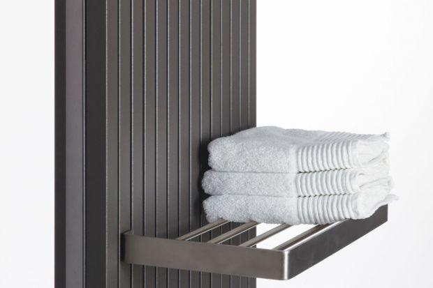 Szukasz grzejnika do łazienki? Dzięki relingom, haczykom i półkom grzejniki dekoracyjne wyposażone w dodatkowe akcesoria idealnie sprawdzą się w łazience.